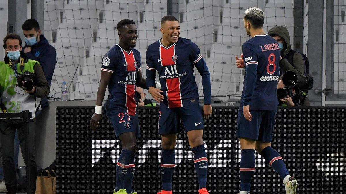Kylian Mbappé (Mitte) brachte PSG in Marseille auf die Siegerstraße