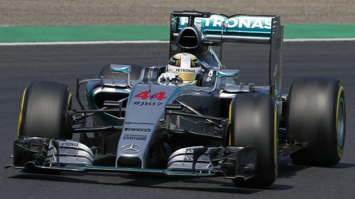 Mercedes Formula One driver Lewis Hamilton of Britain drives during the second practice session of the Hungarian F1 Grand Prix at the Hungaroring circuit, near Budapest, Hungary July 24, 2015. REUTERS/Laszlo Balogh