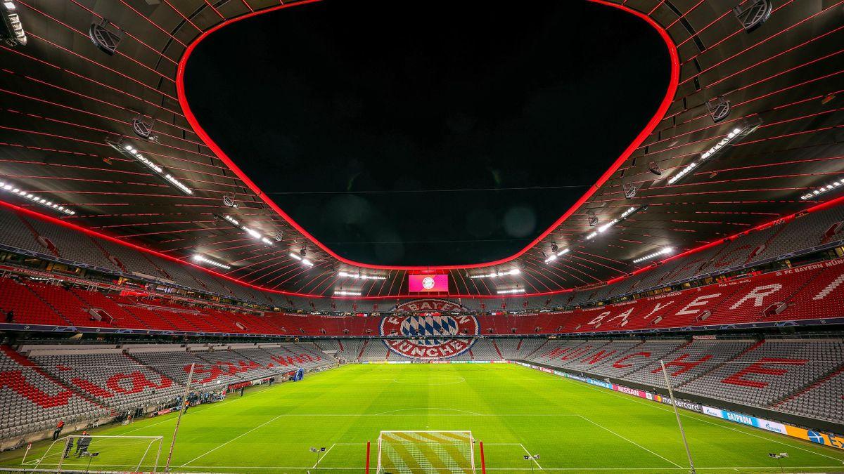 Uli Hoeneß würdigt die Allianz Arena als Meilenstein