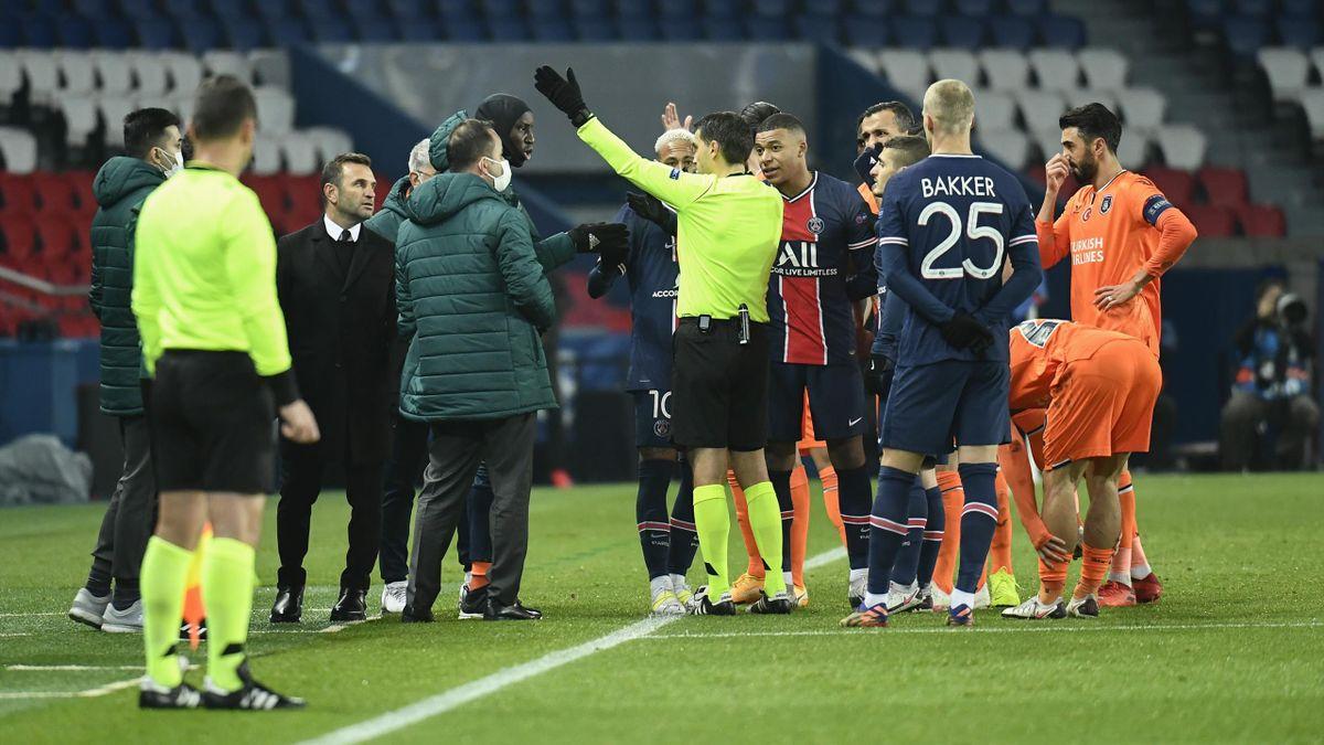 Le match PSG-Basaksehir arrêté au bout de la 13 minutes.