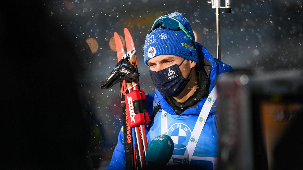 Emilien Jacquelin face aux médias après le relais d'Oberhof le 15 janvier 2021