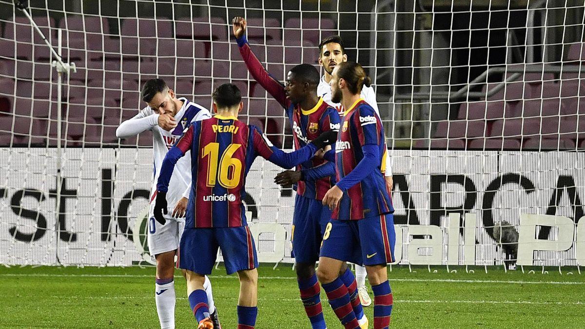 Ousmane Dembélé (2. v. r.) bejubelt seinen Treffer zum 1:1
