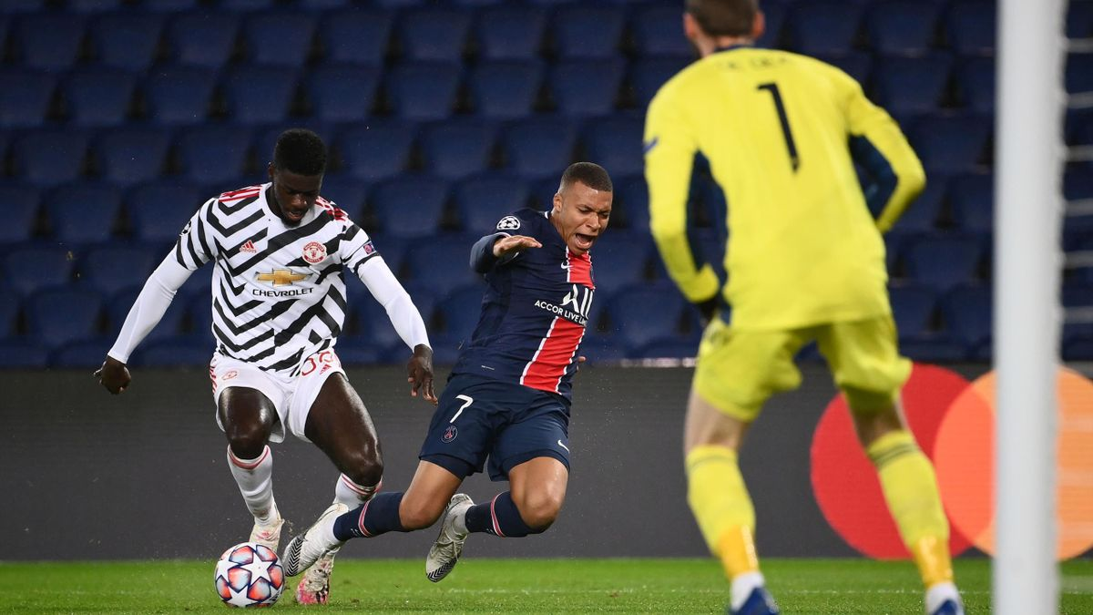 Axel Tuanzebe a jucat excelent în faţa lui Mbappe în PSG - United 1-2