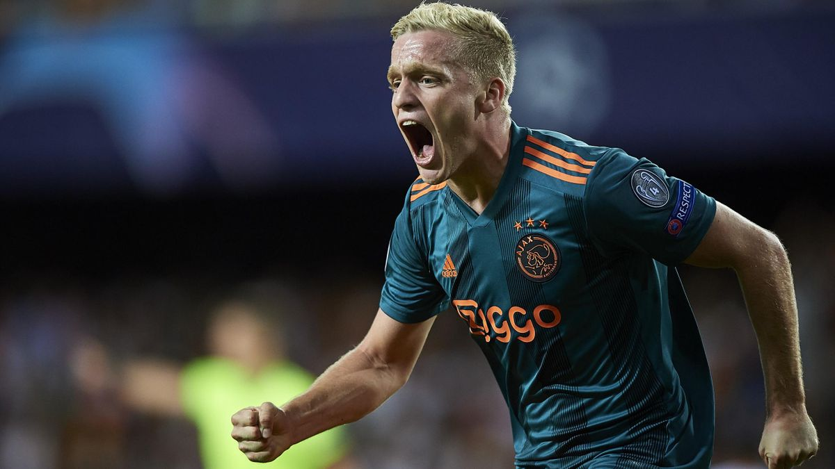 Donny van de Beek e noul jucător al lui Manchester United