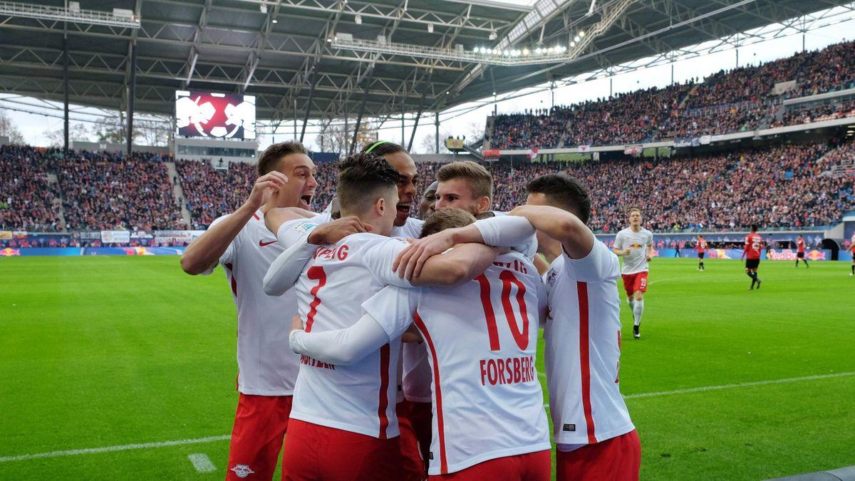 RB Leipzig bleibt oben dran
