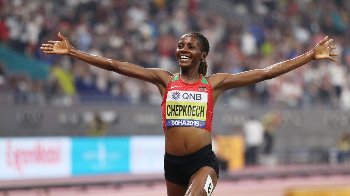 Beatrice Chepkoech of Kenya celebrates winning gold in the Women's 3000 metres Steeplechase final during day four of 17th IAAF World Athletics Championships Doha 2019 at Khalifa International Stadium on September 30