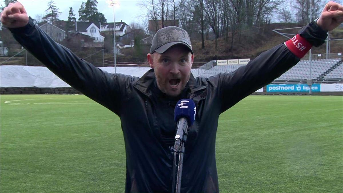 Stjørdals-Blink-trener Snorre Lillebo var i ekstase etter kampen mot Asker. Han brukte også tiden til å melde litt i retning Eurosports fotballekspert Joacim Jonsson.