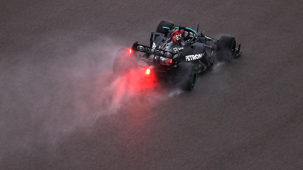 Lewis Hamilton on track in the rain, Russian Grand Prix, Sochi, September 25, 2021