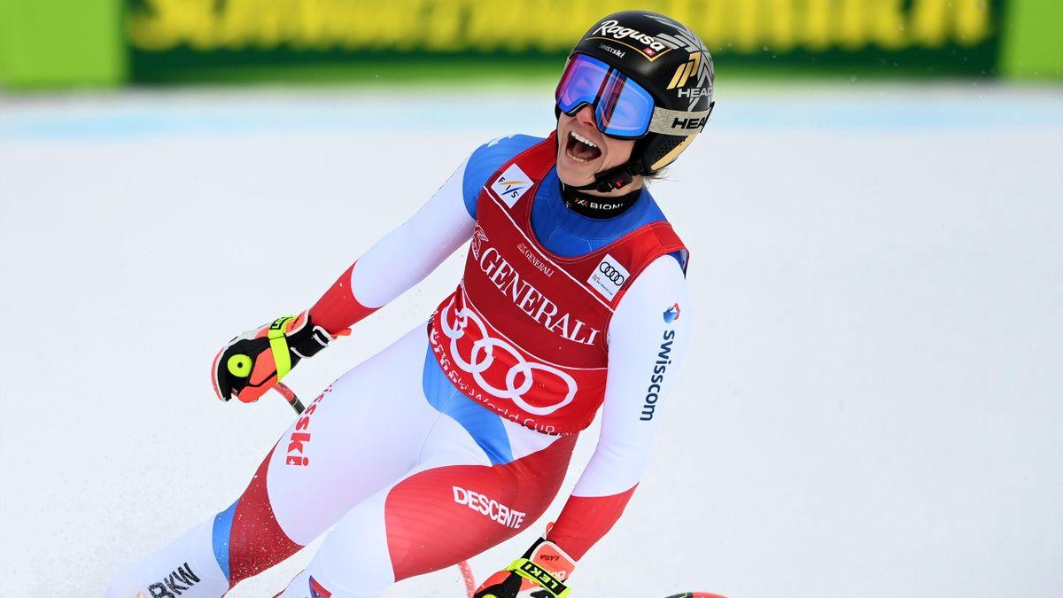 Lara Gut-Behrami freut sich über ihren Super-G-Erfolg in Garmisch-Partenkirchen