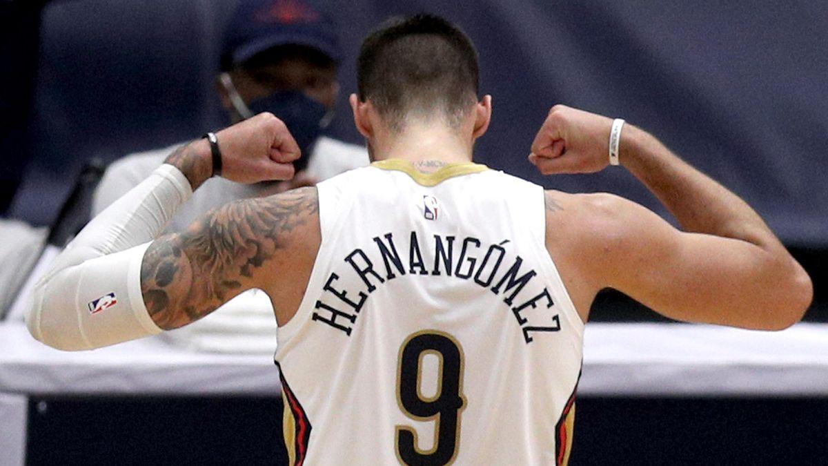 Willy Hernangómez celebra una canasta en la victoria de New Orleans Pelicans