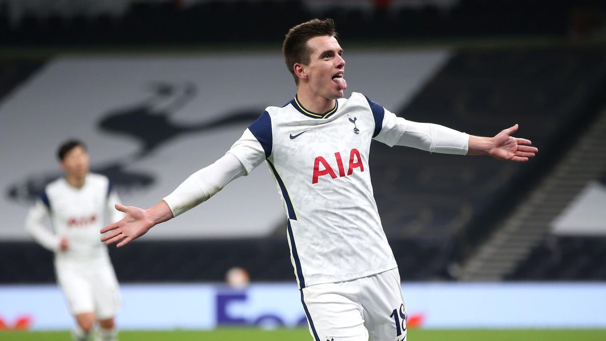Giovani Lo Celso of Tottenham Hotspur celebrates