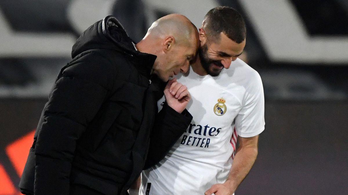 Zinédine Zidane félicite Karim Benzema (Real Madrid)