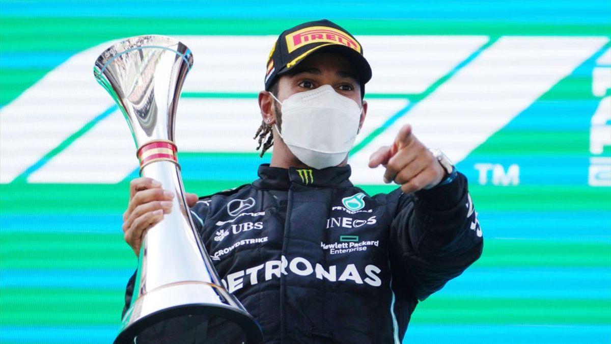 Lewis Hamilton festeggia la vittoria nel GP di Spagna - F1 Mondiale 2021