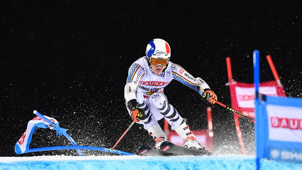 Germany's Linus Strasser competes during the FIS Ski World Cup Parallel Slalom city event at Hammarbybacken in Stockholm on January 31, 2017