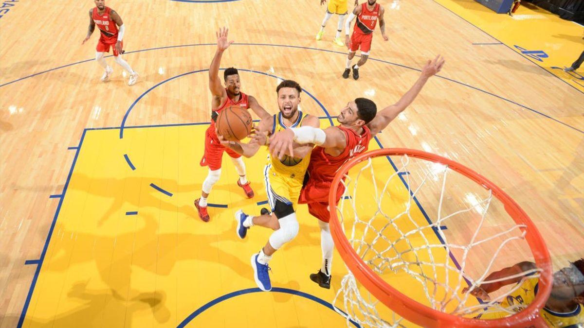 Stephen Curry lors de Golden State - Portland en NBA le 3 janvier 2021