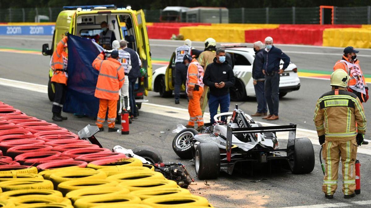 На квалификационных заездах чемпионата W Series произошла крупная авария