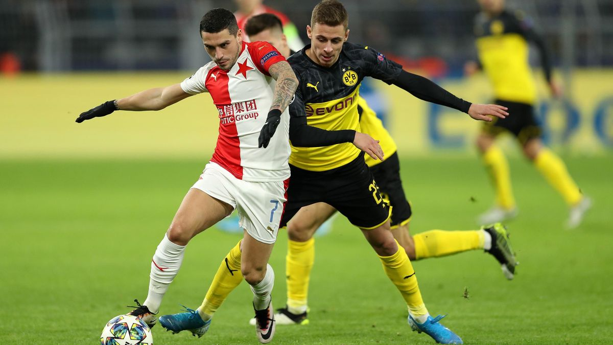 Nicolae Stanciu vs Hazard