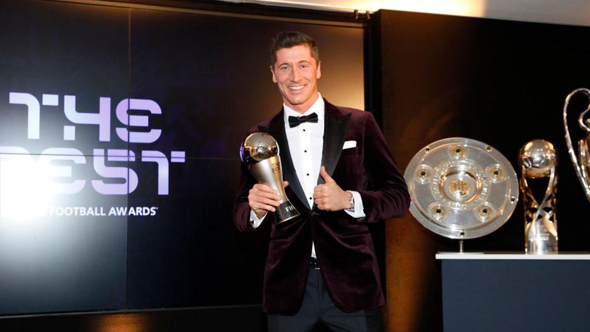 Bayern's Robert Lewandowski scoops FIFA's The Best award ahead of Lionel  Messi and Cristiano Ronaldo - Eurosport