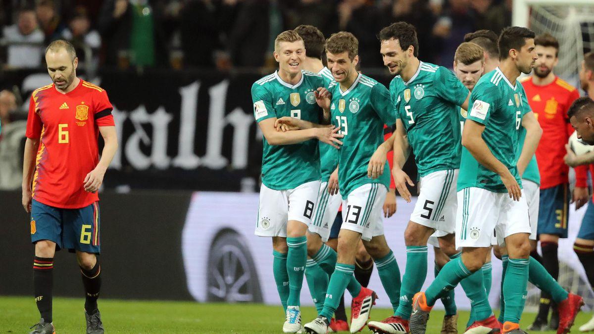 Toni Kroos, Thomas Müller und Mats Hummels (v. l. n. r.) im Testspiel gegen Spanien im März 2018