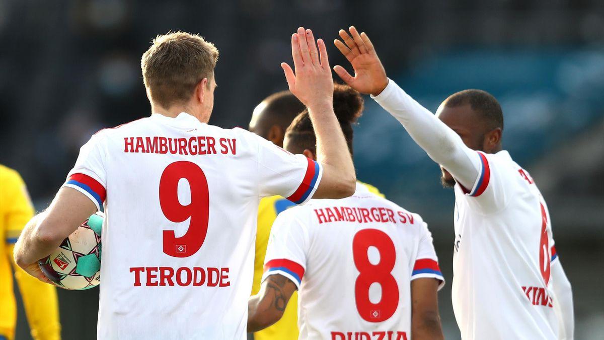 Hamburger SV gegen Eintracht Braunschweig