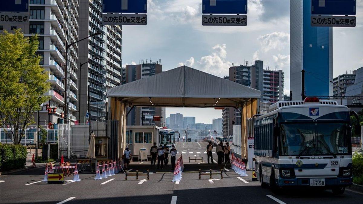 Entrée du village olympique des JO de Tokyo