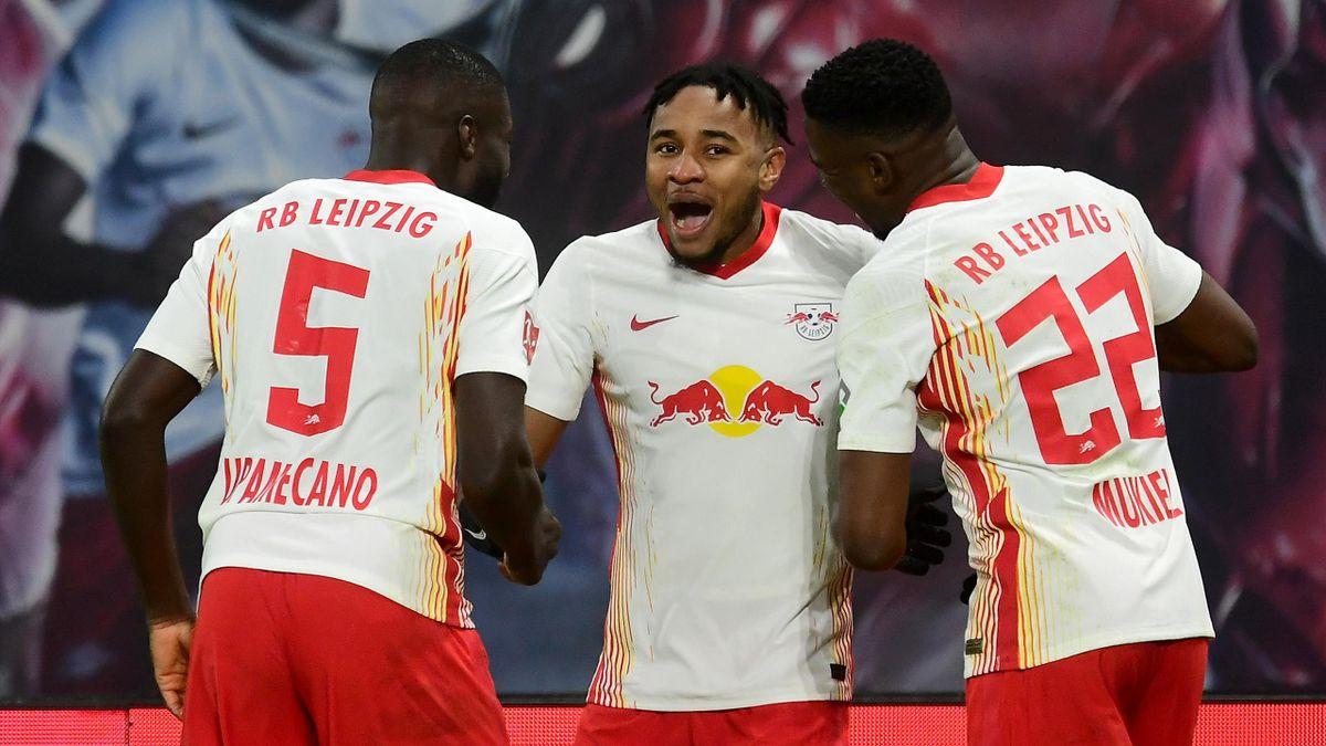 Dayot Upamecano, Christopher Nkunku, Nordi Mukiele (v.l.) jubeln - RB Leipzig vs. Bayer Leverkusen