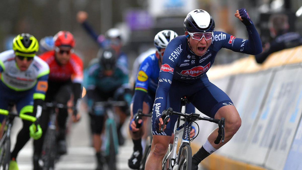 Jasper Philipsen celebrates his Scheldeprijs victory