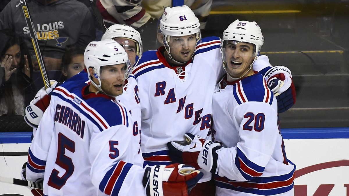 New York Rangers left wing Rick Nash (61) celebrates with team-mates after scoring a goal (Reuters)