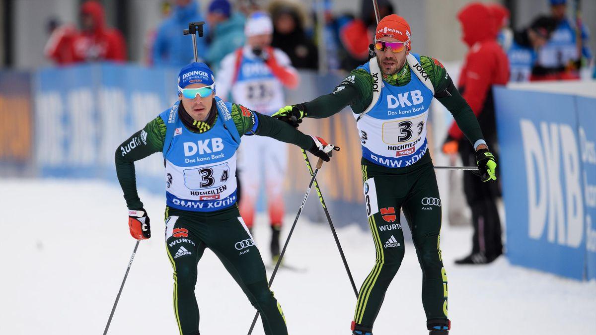 Simon Schempp (l.) und Arnd Peiffer (r.) im Staffel-Wettkampf. Beim Weltcup-Auftakt in Kontiolahti muss Schempp allerdings zuschauen