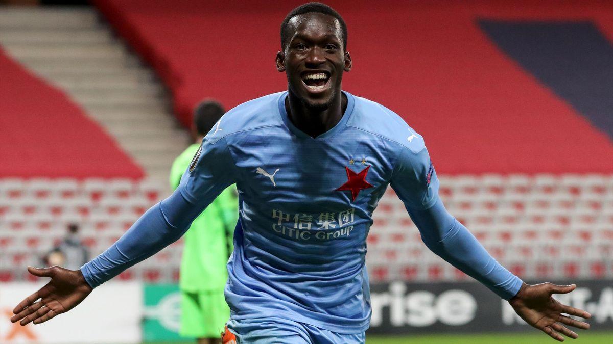 Abdallah Sima celebrates after scoring a goal during the UEFA Europa League Group C football match between OGC Nice and Slavia Prague