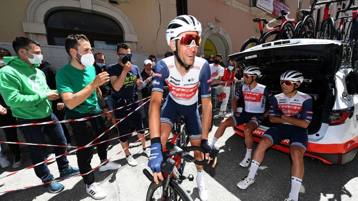 Vincenzo Nibali alla partenza da L'Aquila - Giro d'Italia 2021