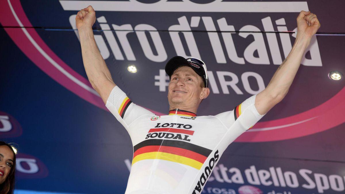 André Greipel jubelt beim Giro