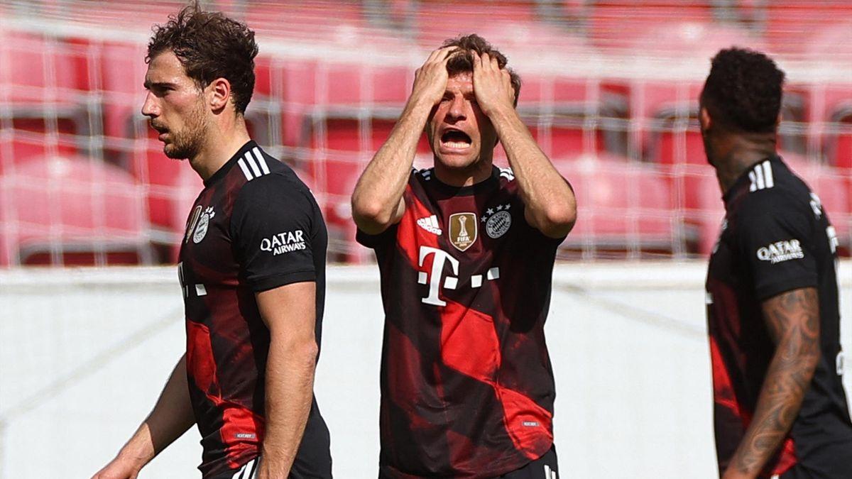 Leon Goretzka, Thomas Müller und Jérôme Boateng (von links) - FC Bayern