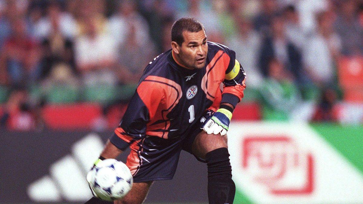 The Debate: Why Jose Luis Chilavert is the greatest goalkeeper ever -  Eurosport