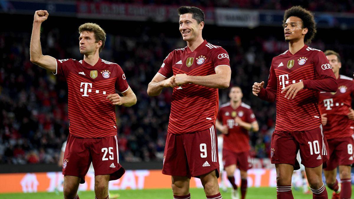 Robert Lewandowski célèbre son but lors du match opposant le Bayern Munich au Dynamo Kiev, le 29 septembre 2021 en Ligue des champions