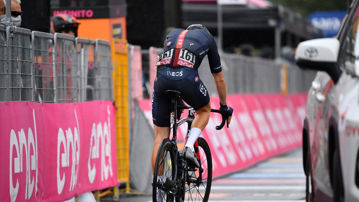 Geraint Thomas a căzut de două ori în etapa cu final pe Etna