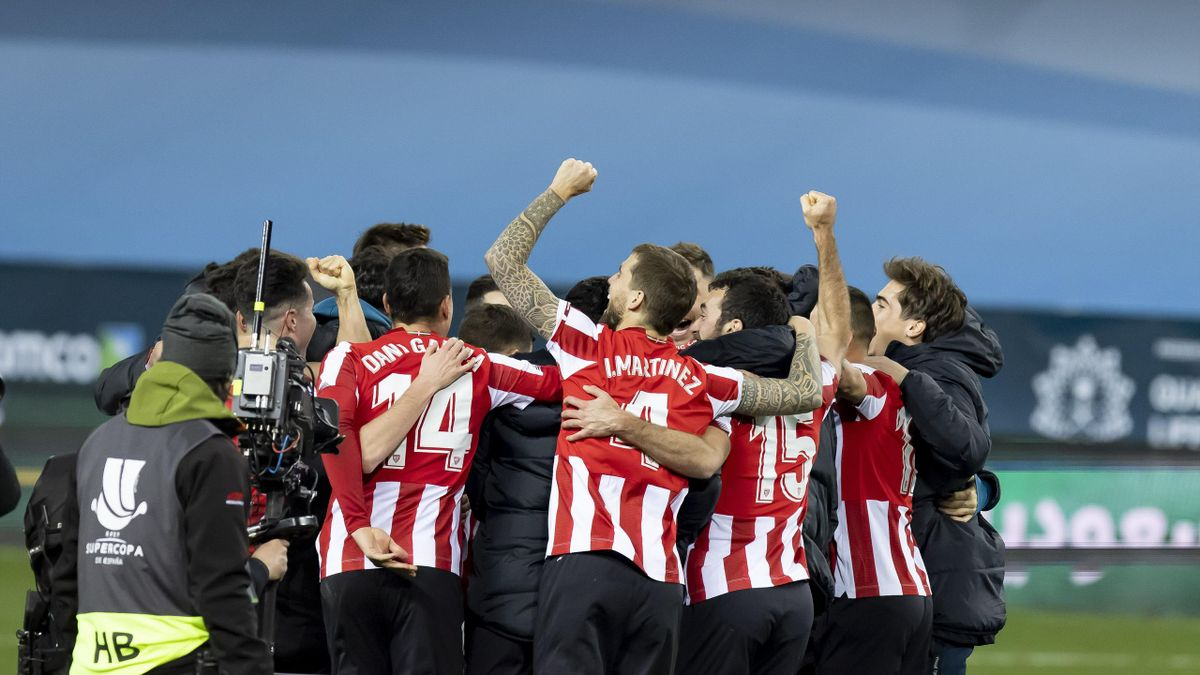 Athletic Club players celebrate