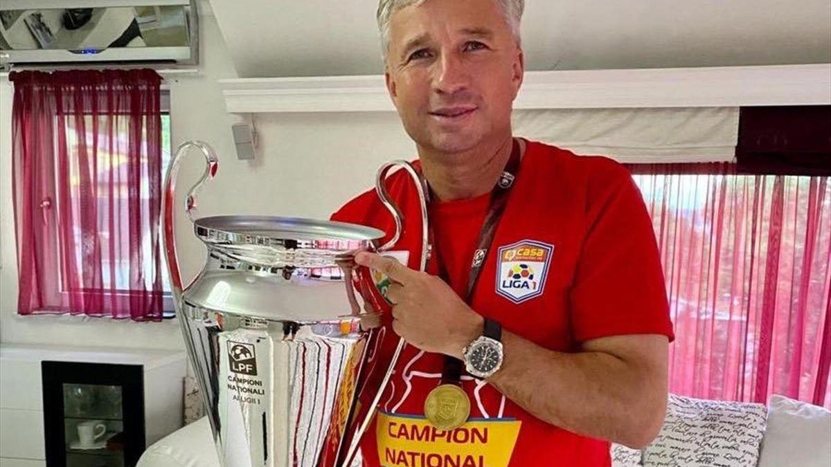 Dan Petrescu, alături de titlul de campion în Liga 1