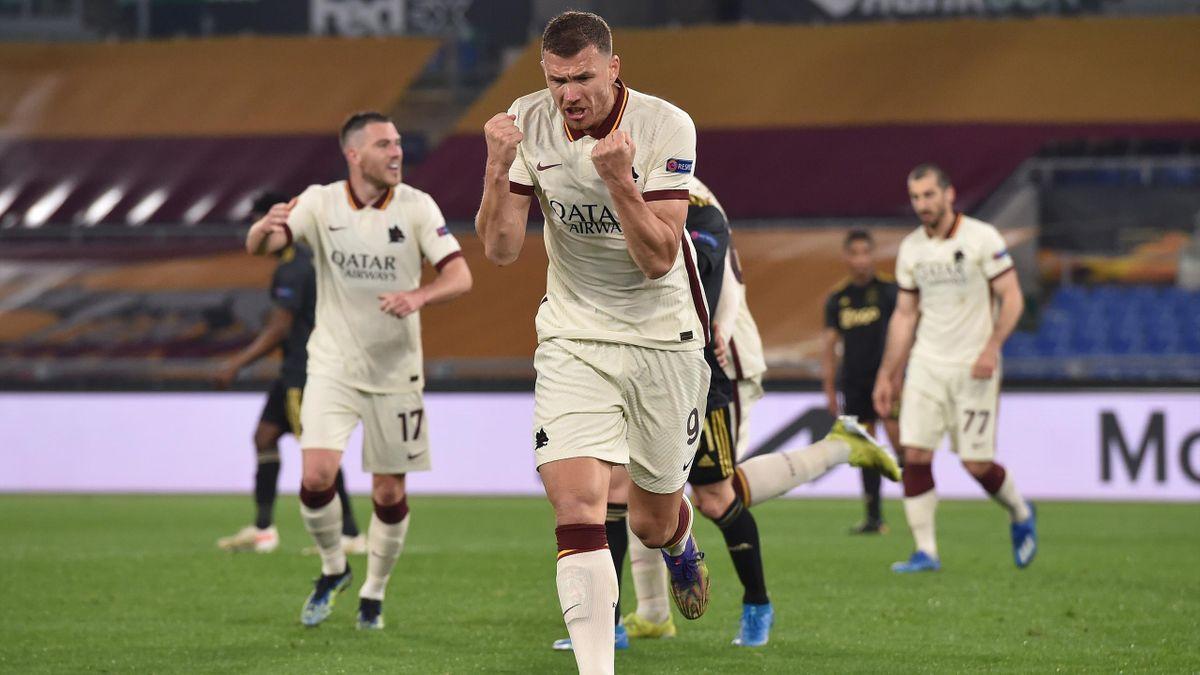 Edin Dzeko (Roma) in gol contro l'Ajax - Europa League 2020-21
