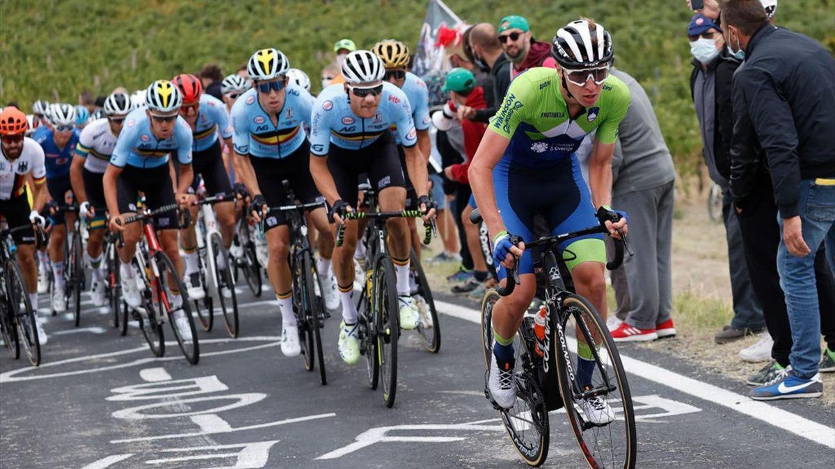 Pogacar (Slovenia) in fuga a Imola, inseguito dal Belgio di van Aert - Mondiali Italia 2020