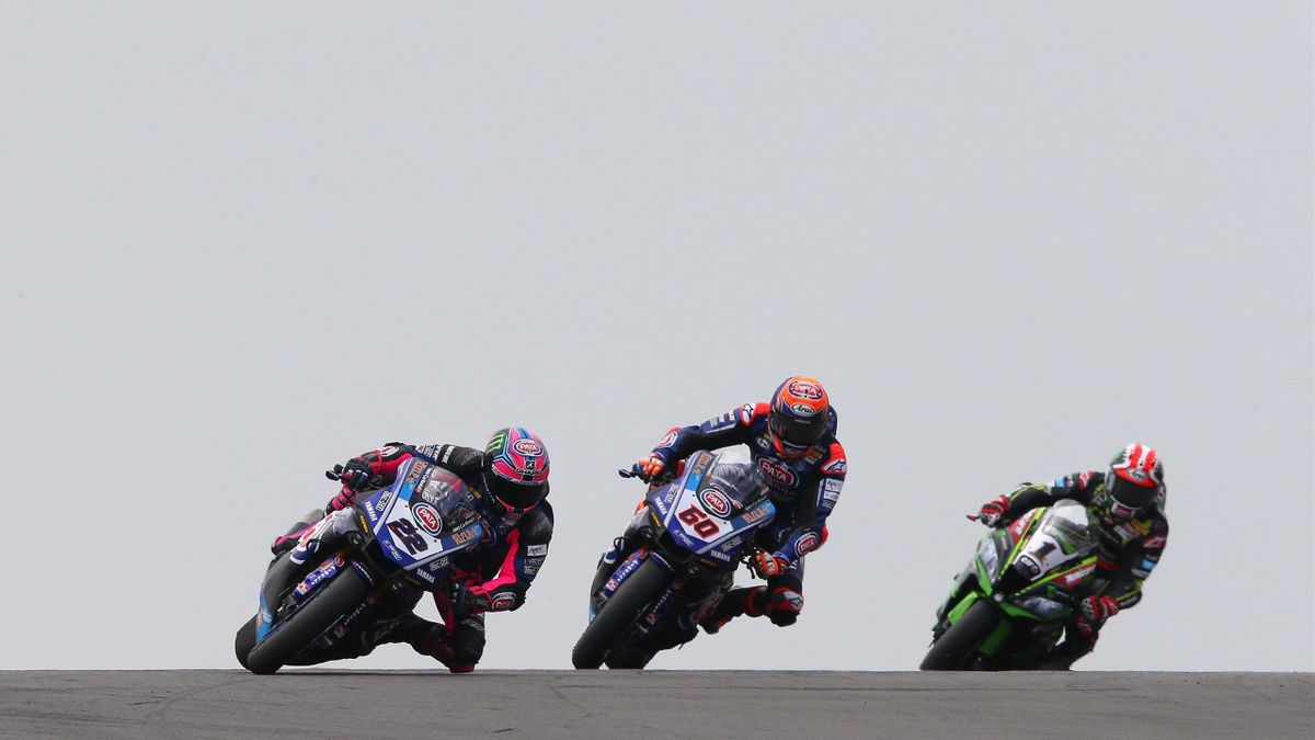 Alex Lowes, Michael van der Mark en Jonathan Rea in Brno