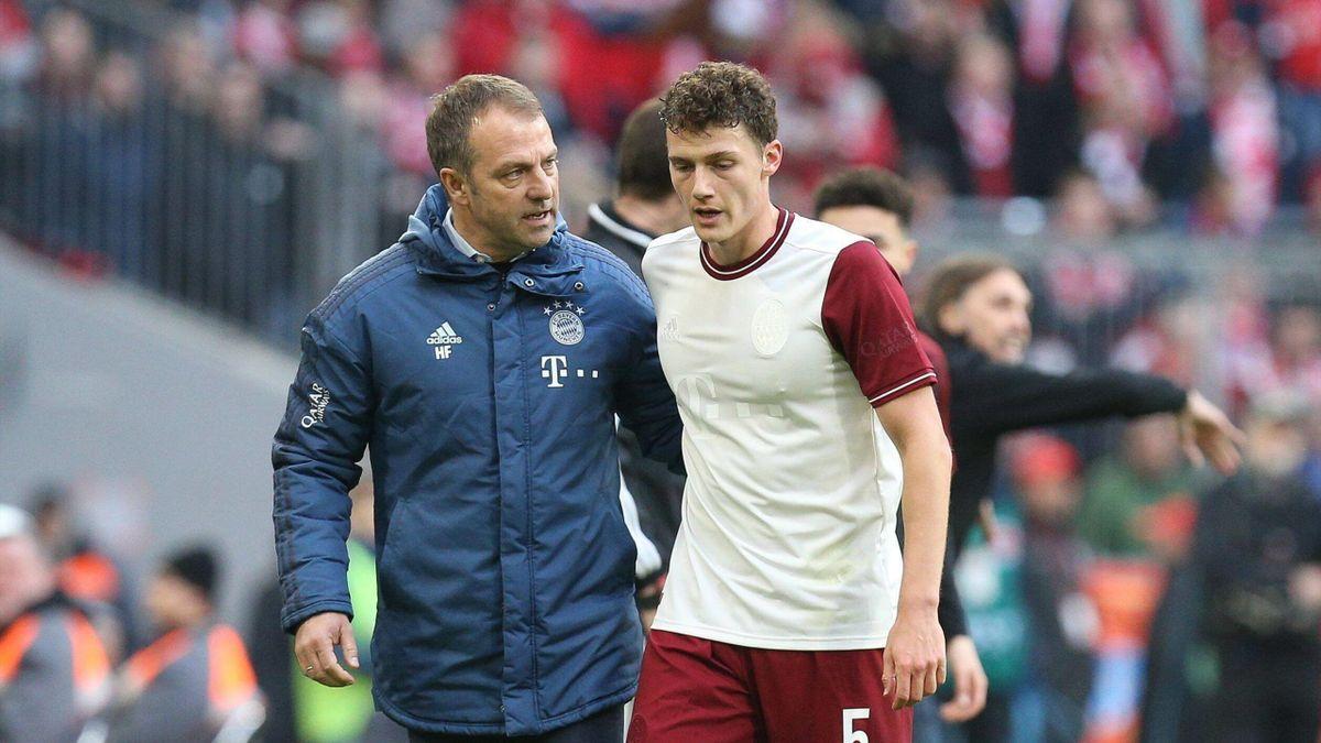 Hansi Flick und Benjamin Pavard vom FC Bayern München