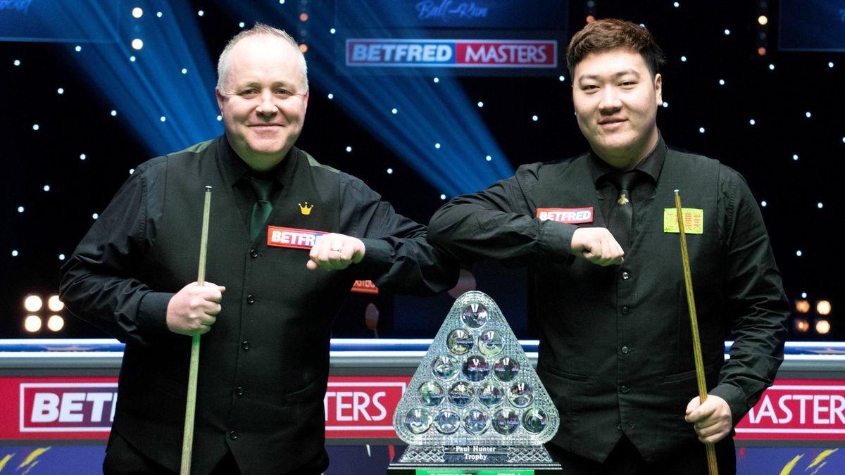 John Higgins and Yan Bingtao ahead of 2021 Masters final