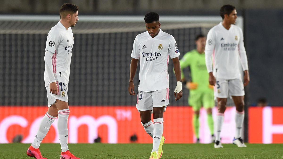 Rodrygo (Mitte) fehlt Real Madrid mehrere Monate