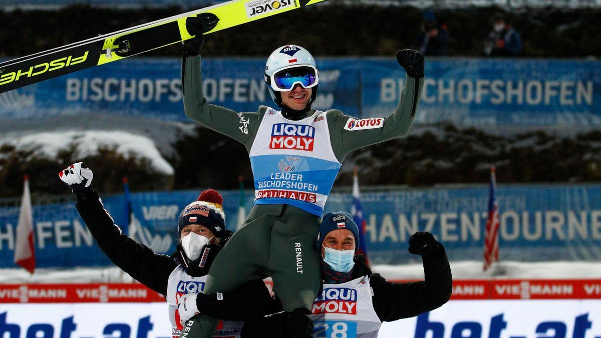 Kamil Stoch gewinnt die Vierschanzentournee 2020/21