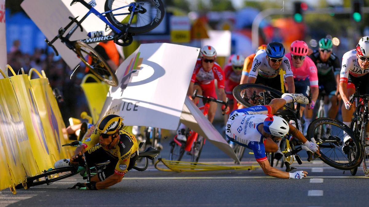 Fabio Jakobsen s-a accidentat grav în prima etapă din Turul Poloniei, după ce a fost împins de Dylan Groenewegen