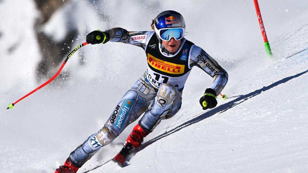 Ester Ledecka   Alpine Skiing Super G   ESP Player Feature