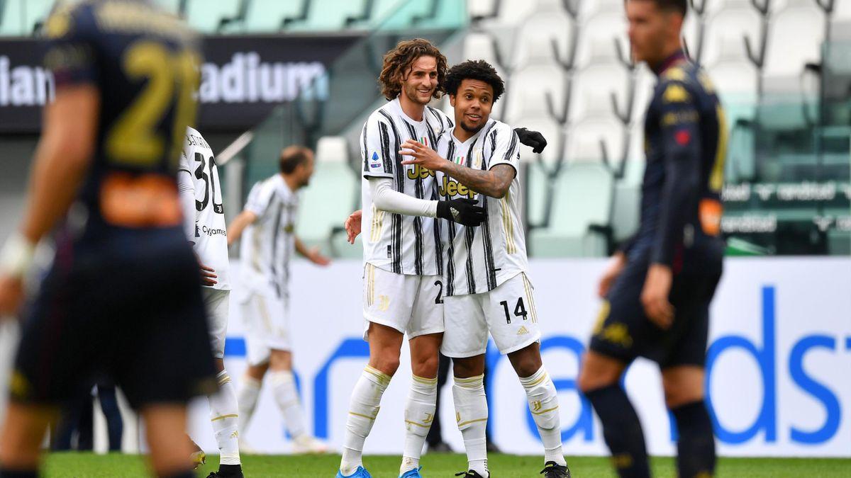 Weston McKennie et Adrien Rabiot (Juventus) face au Genoa en Serie A.