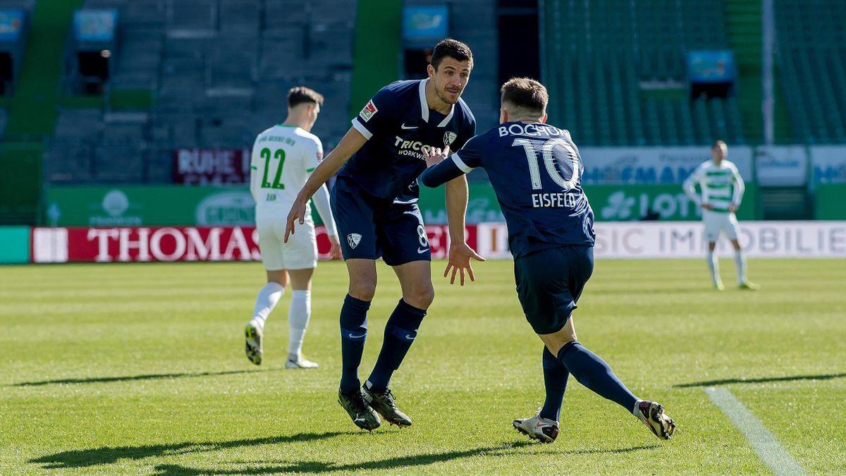 Der VfL Bochum jubelt über den Sieg im Topspiel bei Greuther Fürth