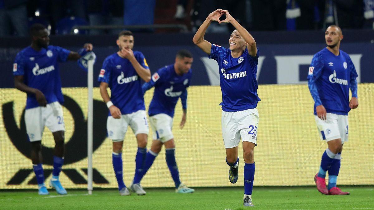 Amine Harit schießt den FC Schalke 04 zum Sieg